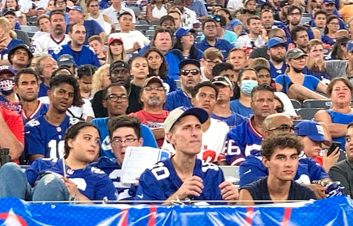 Giants need to start feeling at home at MetLife Stadium