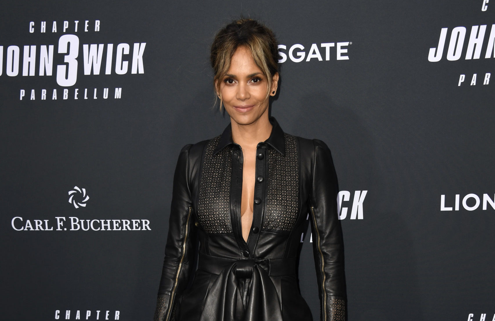 Halle Berry Reveals That She Broke Two Ribs While Filming Her New Movie 'Bruised' & Chose Not To Stop Production
