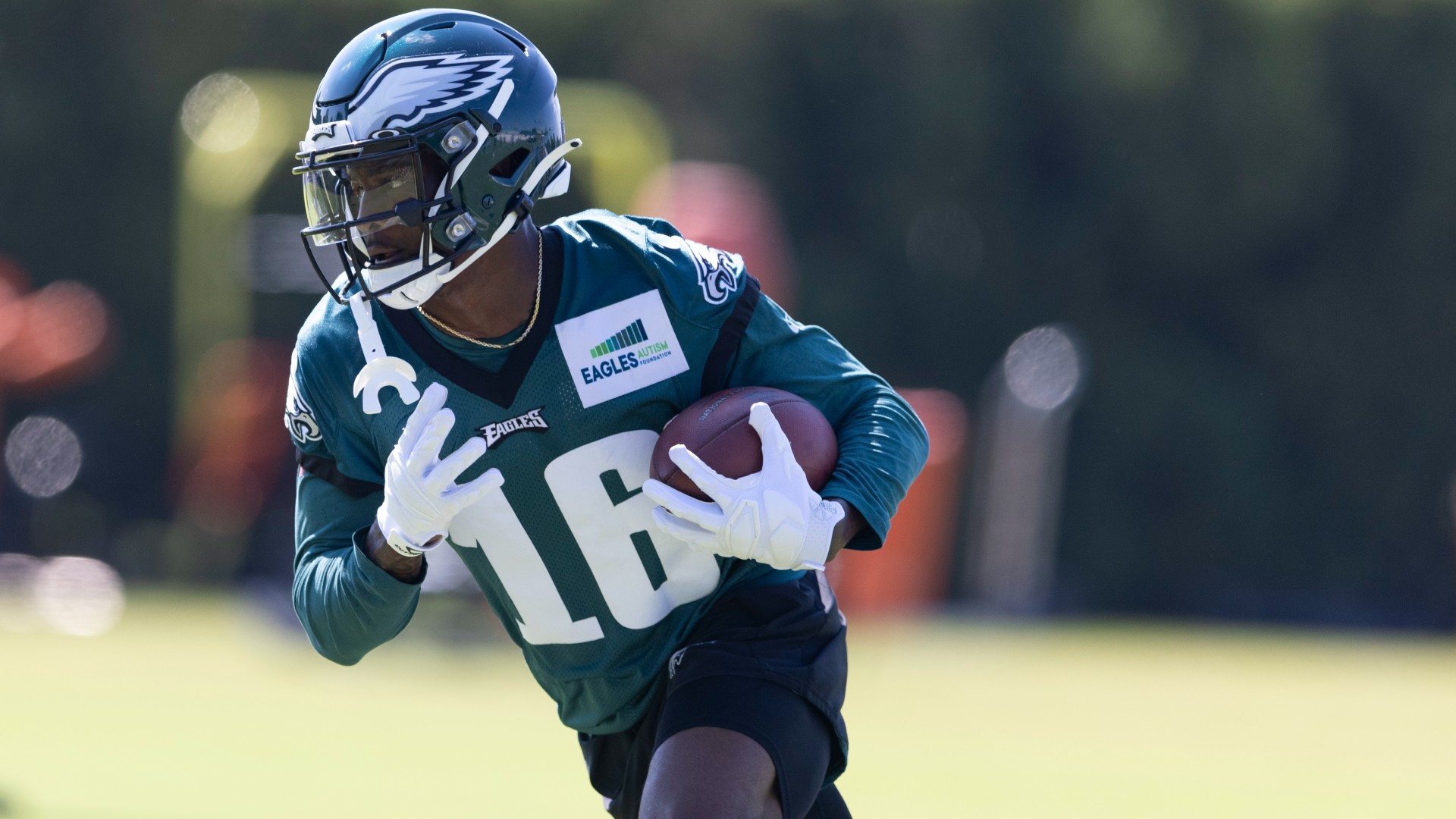 How fast is Quez Watkins? Meet the Eagles receiver who turned a screen pass into a 79-yard TD