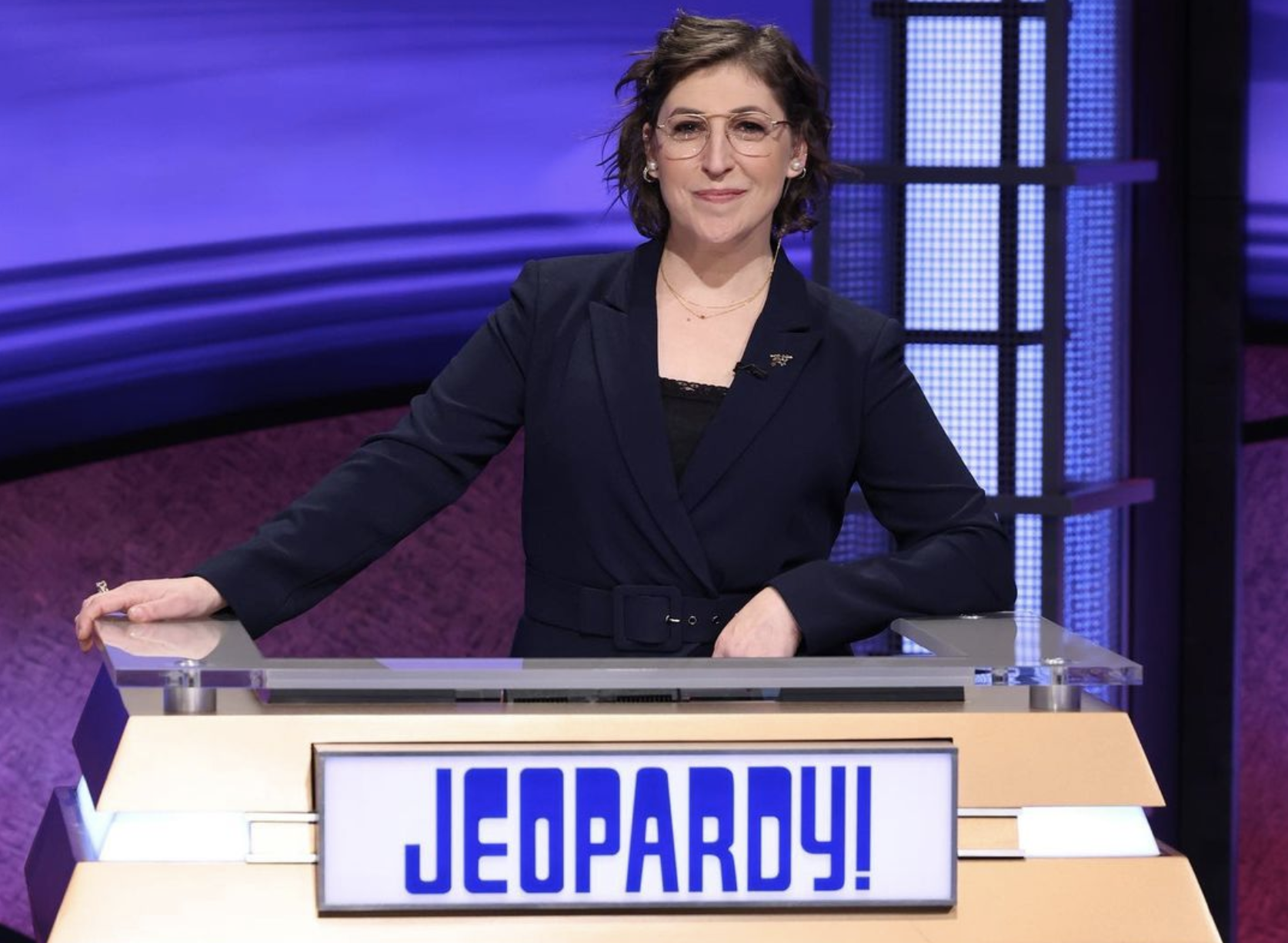 Mayim Bialik addresses fans who 'don't like me as the new host of Jeopardy!': 'I'm sorry'