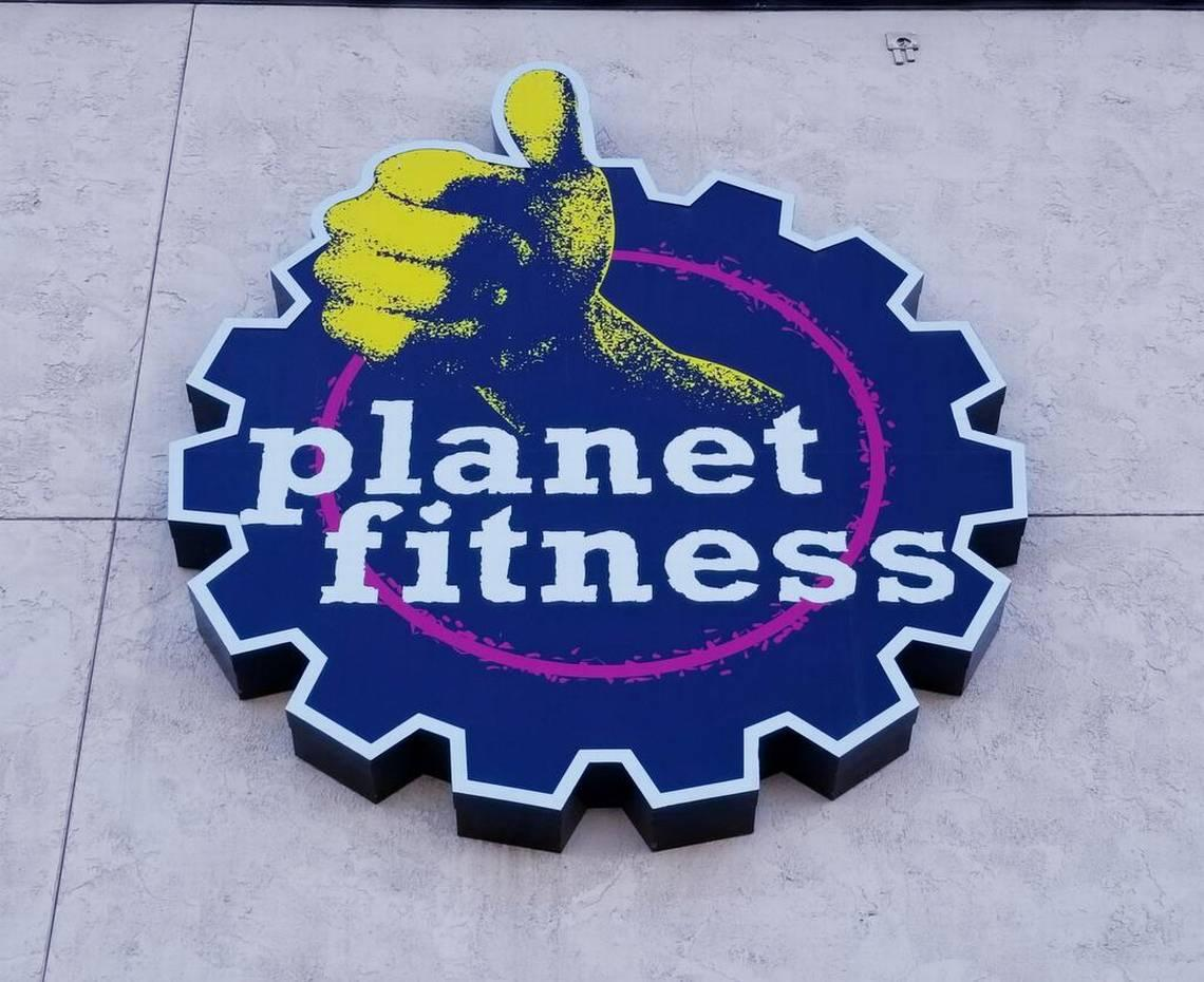 Naked man watched woman undress and tan at Planet Fitness in South Carolina, cops say