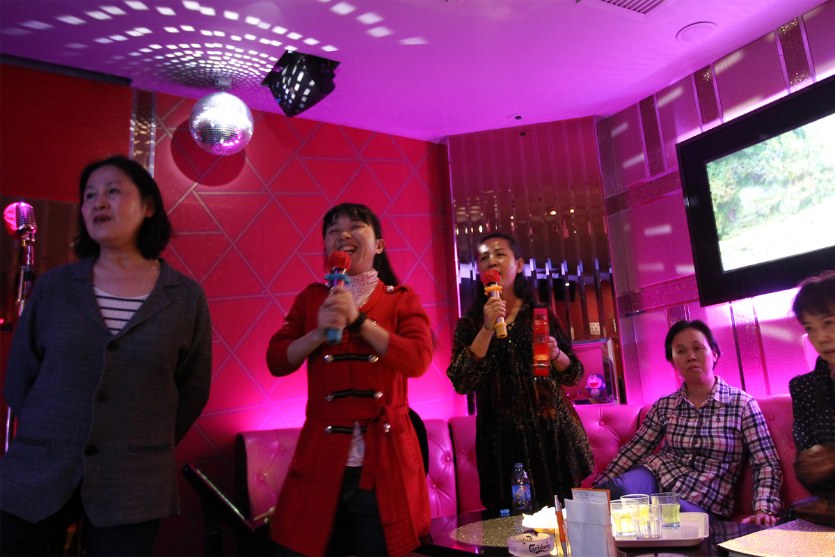 China bans 'illegal content' in karaoke, such as 'fart'