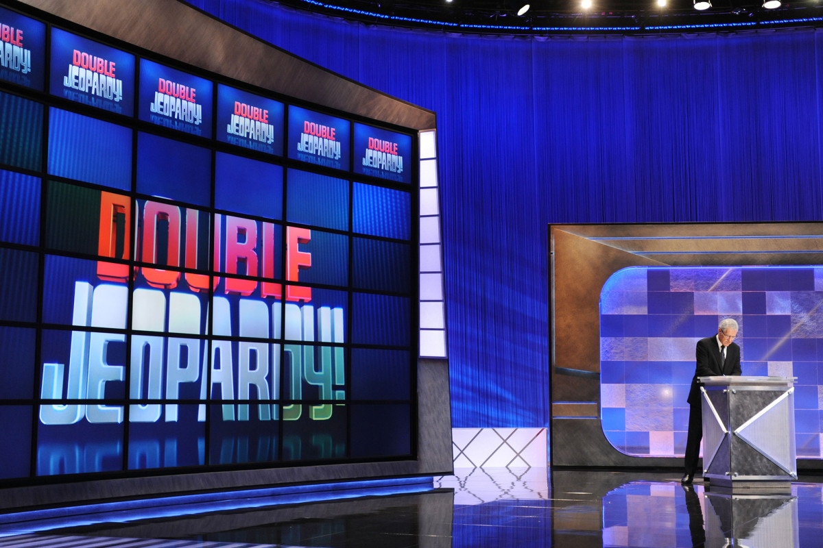 'Jeopardy!' sets Mike Richards and Mayim Bialik as new hosts