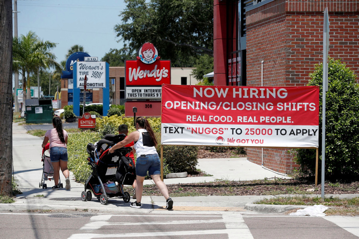 Weekly new jobless claims lower despite Delta variant concerns